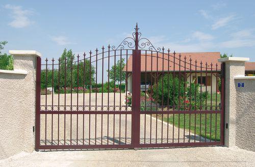 Portail alu portail aluminium portail coulissant portail for Portail jardin pvc